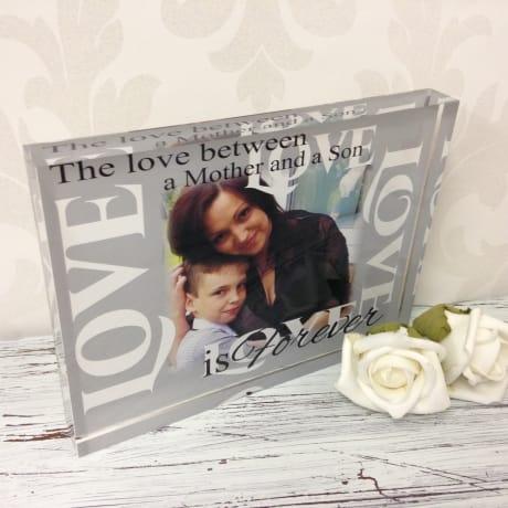 Photo block 24 -The love between