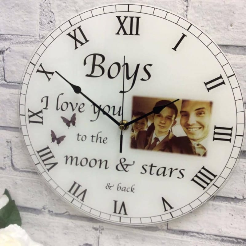 Clock : 0006 Love you to the ..